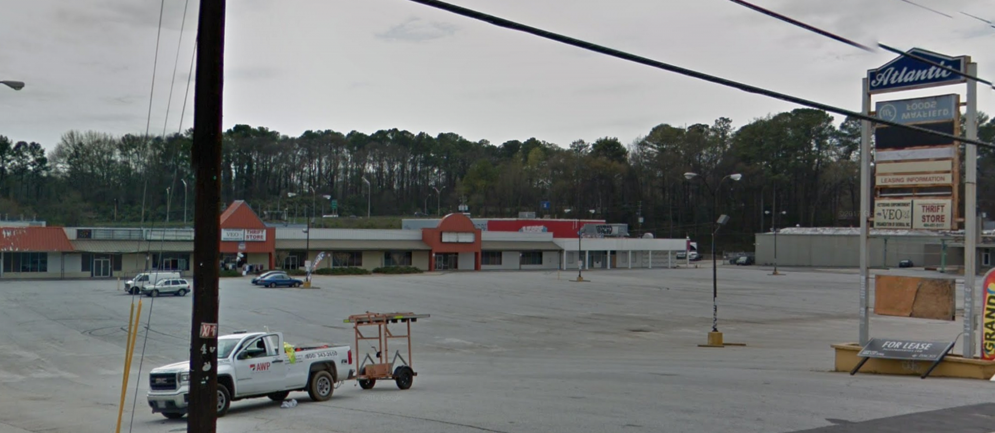 Floor and Decor Coming to Memorial Drive near Ann's Snack Bar